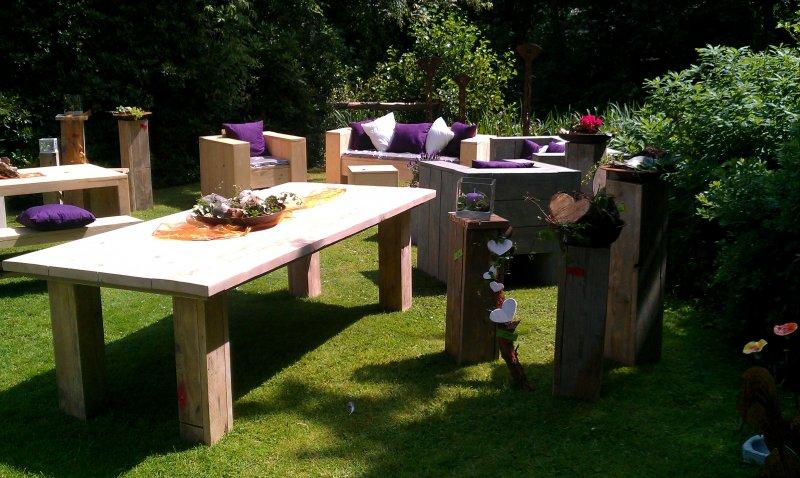 Tisch f r den garten oder wohnung for Wohnung tisch
